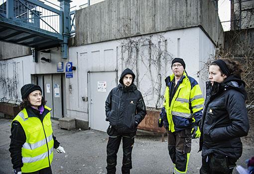 onstantina Chatzoudis, Adam Fakhouri, Magnus Bergman och Amanda Madloum är Botkyrkabyggens miljövärdar.