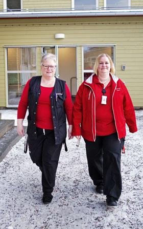 Kommunanställda Maria Karnberger och vikarierande Annelie Tjernström tycker att ledighet är minst lika viktigt som lön.