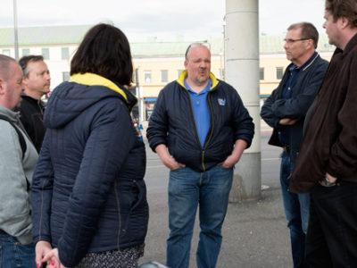 På måndag ska fastighetsvärdarna på Stena fastigheter gå ut i strejk. Igår, onsdag, samlades de för ett informationsmöte.