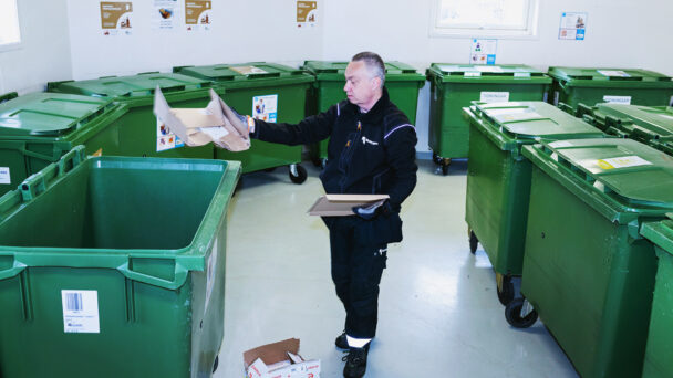 Nils-Erik Ekengren, Fastighetsskötare