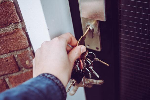 Fastighetsskötare dörr nycklar